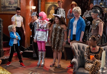 Austin & Ally - Costumes & Courage