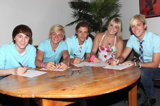 R5 Signs with Hollywood Records